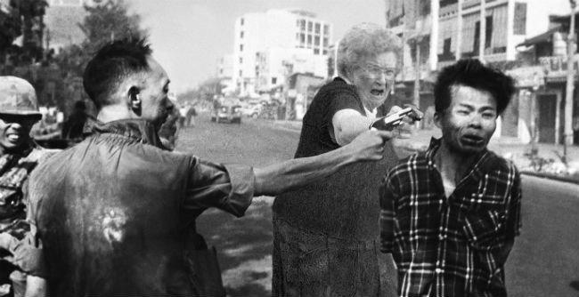 grandma-with-a-gun-photoshop-battle-16